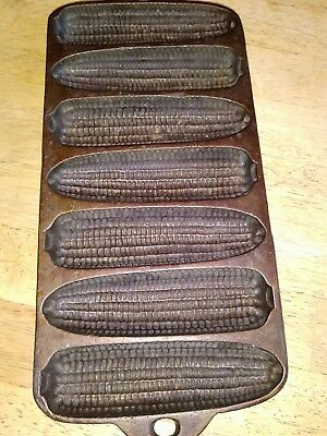 "Vintage Wagner Ware Cast Iron Corn Cob Bread Mold Pan 7 Section 13X6"" Usa Made !"