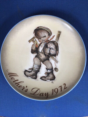 1972 Hummel Mothers Day collectors plate Limited ed. Excellent condition.