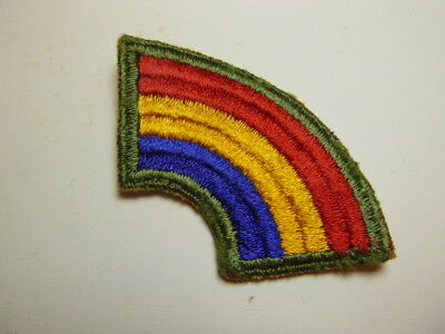 A     WW 2 U S Army 42nd Division Ribbed Cut Edge Snow Back Patch
