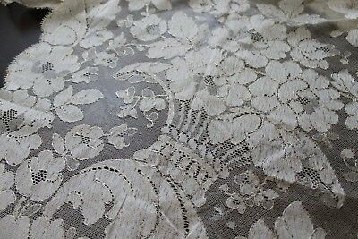 Vtg Antique Cream Silk Caen Spanish Blonde Lace Shawl Veil Chantilly Rare Design