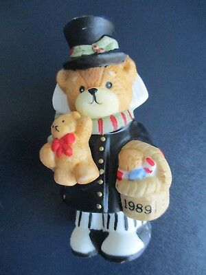 Lucy and Me ~ Lucy Rigg / Enesco ~ 1989 ~ Christmas Bear w/ Top Hat & Basket