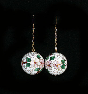 ~GORGEOUS VINTAGE 1950's CHINESE WHITE CLOISONNE' BALL EARRINGS!~~