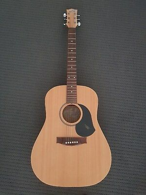 "Maton M225 ""Natural Series"" Acoustic Guitar"