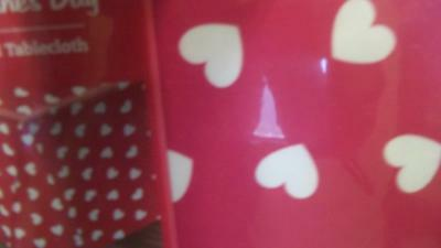 New Valentines Day Vinyl Tablecloth 60 X 84 White Hearts On Red