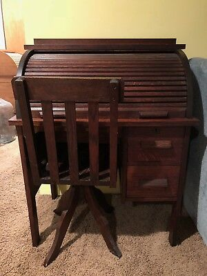 Antique Oak Paris Mfg. Co. No. 638 Childs Roll Top Desk c.1910-1920