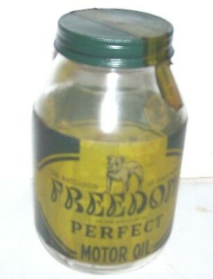 Freedom Perfect  quart oil jar- Bulldog WW II era