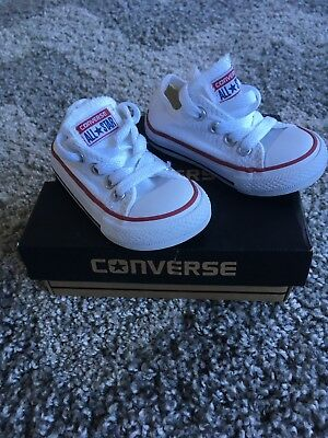 Baby Unisex CONVERSE trainer Pumps Size 4 Boxed