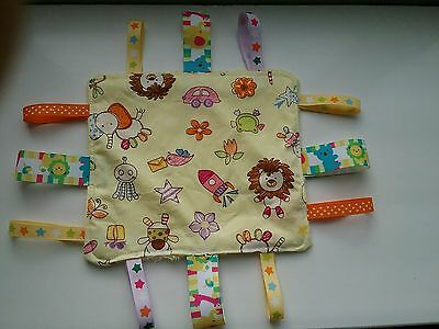 Child baby ribbon taggie cuddle blanket fleece dimple cute animals yellow