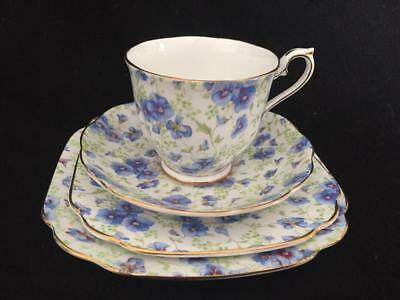 Royal Albert Blue Pansy Chintz 4-Piece-Cup-Saucer-Square Bread & Dessert Plate