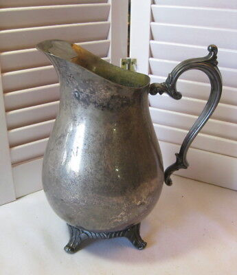 William Rogers Silverplate 817 Vintage Footed Ice Lip Water Pitcher