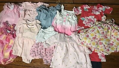 Twin girls spring/summer wear 22 piece Lot,matching outfits & 2 sun hats!!