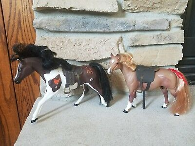 2 Grand Champions Toy Plastic Horses Model Horses