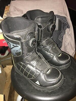Lightly Used K2 Vandal BOA Kids Grom Youth/Boys/Girls snowboard boots US 4.0