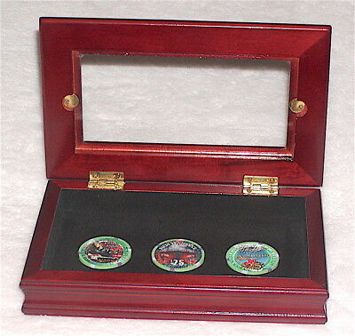 Rare 3 $25 Aladdin Casino Chips December 2001 In Display Case - Mint Condition