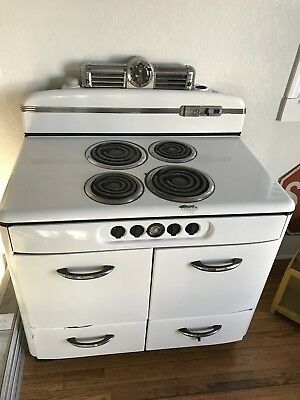 Vintage 1940s Norge Electric Stove With Grayson Clock