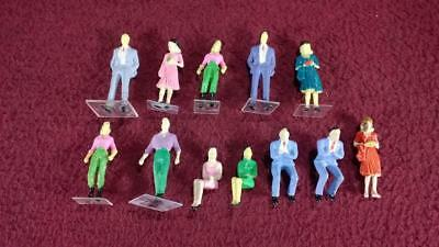 #1 O Scale Lot Of 12 Painted People Figures - Male - Female - Standing - Sitting