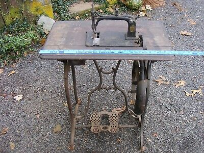 >> Antique WEED Sewing Machine ,, see photos , cast iron   , pick up in CT