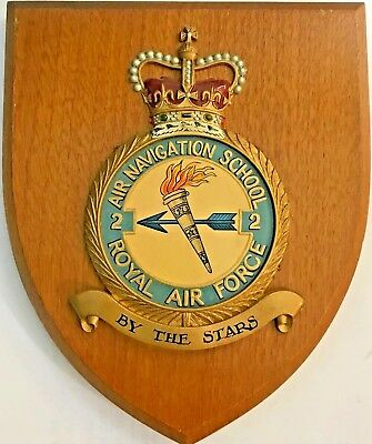 ROYAL AIR FORCE RAF 2 AIR AVIATION SCHOOL CREST on WOODEN PLAQUE 6 X 7 Inches