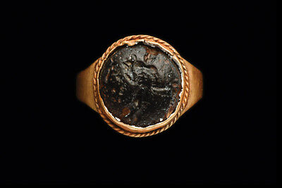 Ancient Roman Intaglio in Gold Ring Ca. 1st-3rd century A.D.
