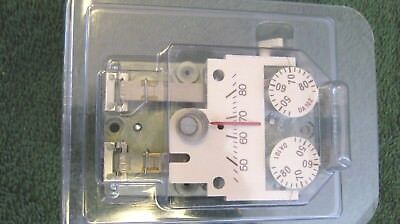 SIEMENS 192-204 Pneumatic room thermostat & wallplate-still in plastic-NEW