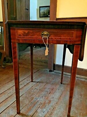 18th Century Hepplewhite or George III Absolutely Stunning Inlaid Pembroke table