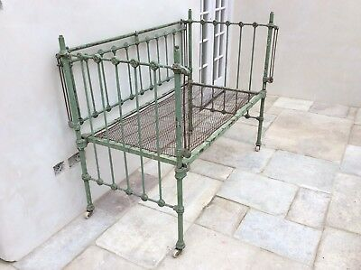 Original Vintage French Day Bed, Cot. Shabby Chic
