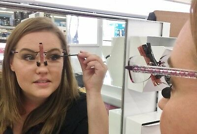 You Can Finally Do Your Makeup With a Real Mirror! SpecsUp - Eye Makeup Tool