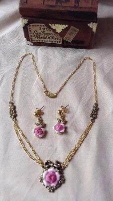 Vintage AVON Gold Tone Victorian Style Pink Rose Ceramic Necklace & Earrings Set
