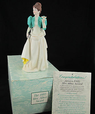 AVON **Mrs. P.F.E. Albee  Award 1995** Porcelain Figurine **NEW IN BOX**
