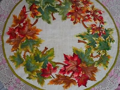 """Vintage Silk Embroidery On Linen Round Tablecloth Crochet Lace Border 33"""" / 45"""""""