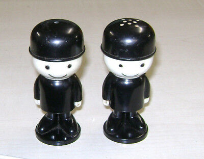 Homepride Fred - plastic salt and pepper pots (AIRFIX)
