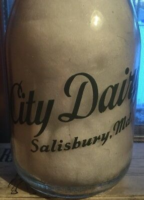 City Dairy Guard War Pyro Round Quart Trpq Milk Bottle Salisbury Md Maryland