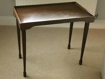 VINTAGE OAK FOLDING BUTLERS TRAY TABLE ( HAYES 1934 patent )