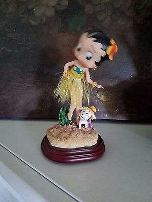 Betty Boop Grass skirt figurine Hawaii vibe vacation style Hawaiian style
