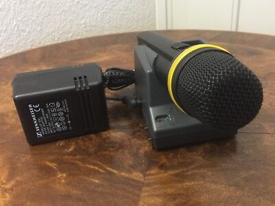 Sennheiser SKM 1072-U wireless microphone mit L 1032 Ladestation/Accu-Charger