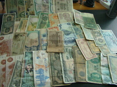 Group Of Worldwide Paper Currency Circulated Nice!!