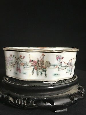 19th Century CHINESE PORCELAIN FAMILLE ROSE Ink Box