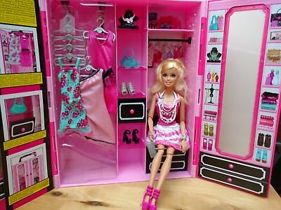 barbie m bel und puppe schrank kleidung accessoires zum teil ovp eur 25 50 picclick de. Black Bedroom Furniture Sets. Home Design Ideas