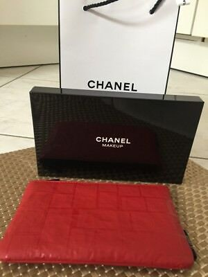 chanel kosmetiktasche neu incl chanel papiertasche eur 26 50 picclick de. Black Bedroom Furniture Sets. Home Design Ideas