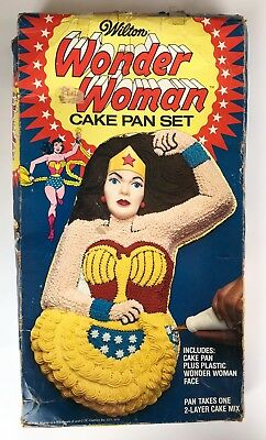 Vintage WONDER WOMAN Wilton Cake Pan Set 1978, In ORIGINAL BOX w ALL accessories