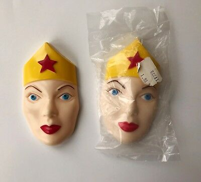 VINTAGE Wonder Woman TWO plastic FACES from the Wilton Cake Pan Set, 1978, MINT