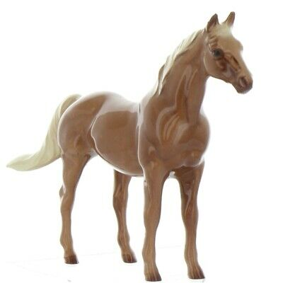 "Thoroughbred Race Horse Miniature Model ""Silky Sullivan"" Made by Hagen-Renaker"