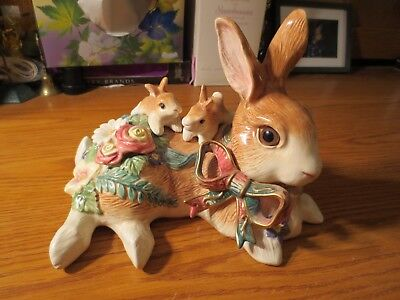 Fitz and Floyd Classics Mother Rabbit and Baby Bunnies Easter Bunnies