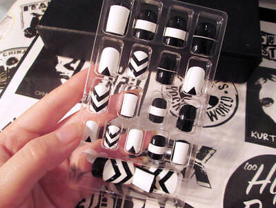 Black&White French False Nails Nail Art Design Nail Tips With Glue 24pc/Pack 01