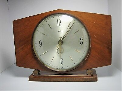 1960's Smiths 8 Day Floating Balance Mantel Clock in Wood Case: VGC, working