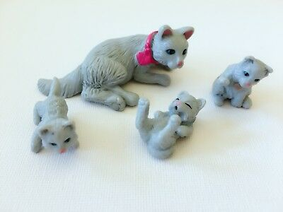 Vintage Kitty In My Pocket UK Animal Hospital 84 Pip Cat & Babies Colour Variant