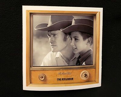 """Classic TV set Western Magnet """" THE RIFLEMAN """" Chuck Connors- Johnny Crawford"""