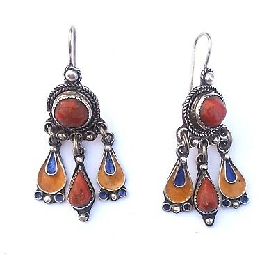 Algeria - Pair of Kabyle earrings in silver, enamel and genuine coral