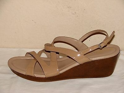 Leather Wedge Sz Sandal Cole Camel Haan Strappy Womens Beige Patent SpUzMqV