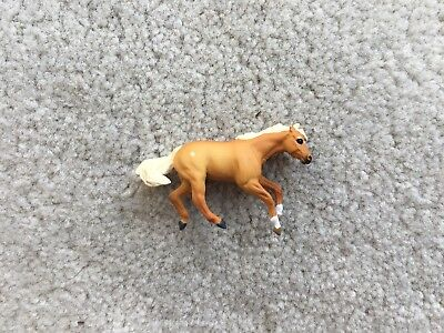 Rare Breyer Mini Whinnies Horse #300143 Mares Collection Reining Stock Palomino
